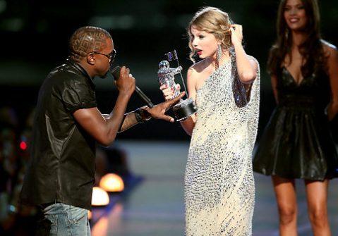 Kanye interrupts Taylor's moment